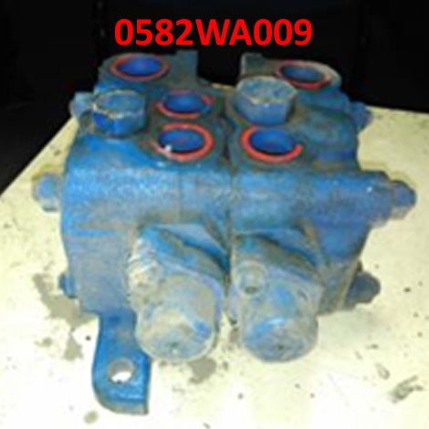 Hydraulic control valve for compacting machine